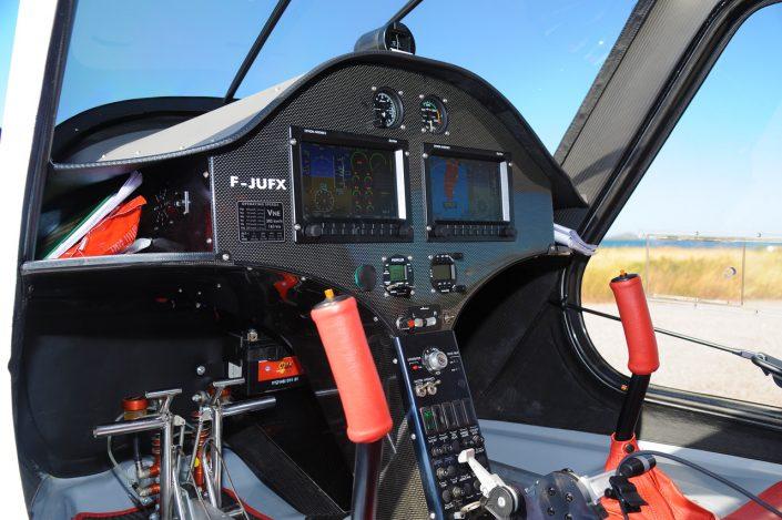 cockpit-zoom